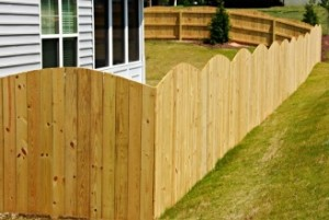 Wood-Privacy-Arched-Square-Picket